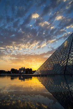Louvre Sunset Print By Brian Jannsen