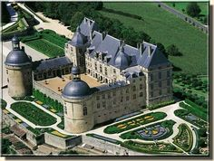 Located in the North-Eastern part of Dordogne, the department that borders on    Corrèze and Haute-Vienne, this massive château was built upon an ancient Roman camp, dominating a magnificent region, as a hinge between Limousin and Aquitaine.