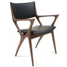 With subtle curves and angles, Scandinavian modern meets contemporary Japanese in a superbly crafted Dining Armchair. The Issa Armchair pairs well with the Issa Outdoor Dining Chair Cushions, Leather Dining Chairs, Dining Arm Chair, Dining Room, Love Chair, Diy Chair, Angles, Chair Design, Furniture Design