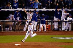 Alex Gordon of the Kansas City Royals reacts as he runs the bases after hitting a solo home run in the ninth inning against the New York Mets during Game 1 of the World Series at Kauffman Stadium on Oct. 27, 2015. (Photo by Christian Petersen/Getty Images)
