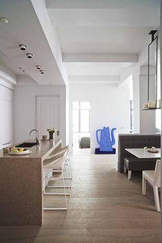 Piet Boon Styling by Karin Meyn | A indigo blue art piece to brighten the room. Kekke Kitchen stool - Piet Boon Collection.