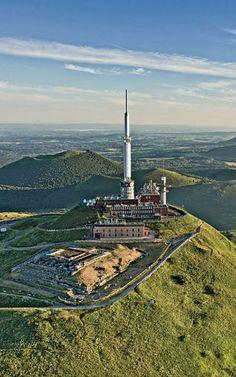 Pin on voyage Clermont Ferrand, Rhone, Birds Eye View, Burj Khalifa, Cn Tower, Land Scape, Building, Places, Nature
