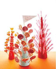 Ultra-Creative Candy Centerpieces to Sweeten the Celebration Bonbon Fruit, Bar A Bonbon, Candy Wedding Favors, Candy Favors, Favours, Candy Table, Candy Buffet, Dessert Buffet, Lollipop Tree