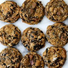 Yum! Salty Sesame and Dark Chocolate Chip Cookies - Joy the Baker ...