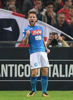 Dries Mertens of SSC Napoli celebrates after scoring goal 21 during the Serie A match between Genoa CFC and SSC Napoli at Stadio Luigi Ferraris on...