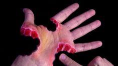 2 Horrific Hand Art Illusions