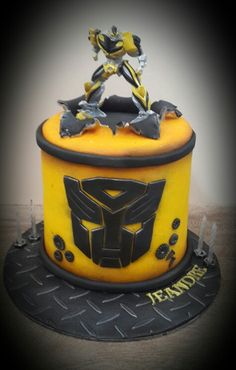 Transformers....bumble bee cake