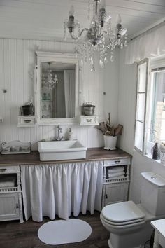 99 Adorable Shabby Chic Bathroom Decorating Ideas (35)