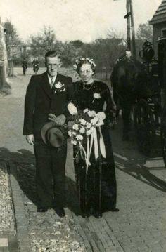 Vintage Wedding Photos, Vintage Weddings, Black Wedding Gowns, Black Bride, Art, Art Background, Black Wedding Dresses, Kunst, Performing Arts
