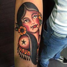 Perché l'old school in Italia è il nostro Corra! Fantastic old school tattoo!! Per aver un magnifico pezzo del Corra in vero stile tradizionale passate in studio a trovarci.  Tatuaggi traditional http://www.subliminaltattoo.it/prodotto.aspx?pid=08-TATTOO&cid=18  #subliminaltattoofamily   #corradocarnevali   #traditionaltattoo   #tradizionale   #pinup   #mandala   #serpente   #tattooartist   #tattoo   #tatuaggio