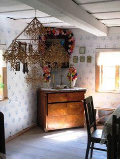 Poland Culture, Paper Chandelier, Polish Folk Art, Chalet Style, Home Altar, Trendy Home Decor, Architectural Features, Bohemian Decor, Design Crafts