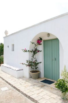 Affitto bedandbreakfast Ceglie Messapica Estilo Colonial, Greek Decor, Spanish Style Homes, Earth Homes, Village Houses, Mediterranean Homes, Minimalist Home, Home Decor Inspiration, My Dream Home