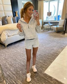 Athletic Outfits, Athletic Wear, New Apple Watch, Comfy, How To Wear, Work Outfits, Shopping, Clothes, Outfit Ideas
