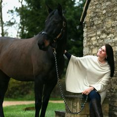 Camel poncho and a beautiful horse named Zizi. What a stunning combination!