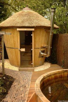 ::: Pooltech ::: Products: Sauna Ayak Arctic BuitensaunaA sauna in your own . - ::: Pooltech ::: Products: Sauna Ayak Arctic BuitensaunaA sauna in your own four walls is pure rela - Diy Sauna, Jacuzzi, Outdoor Sauna, Outdoor Baths, Outdoor Pool, Saunas, Homemade Sauna, Carpentry Courses, Carpentry Skills