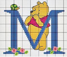 #Monograma Ursinho Pooh - letra M #bordado #CoatsCorrente