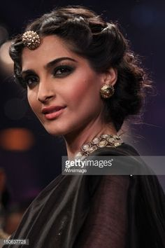 sonam kapoor jewellery - Google Search