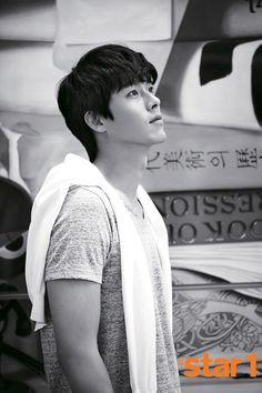 To view previously released 1 spreads of Hyun Bin go here: Cover shot Batch 1 Batch 2 Source Song Hye Kyo, Song Joong, Hyun Bin, So Ji Sub, Korean Star, Korean Men, Asian Men, Asian Actors, Korean Actors