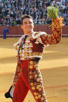 Matador Costume, Hot Men Bodies, Charlie Carver, Flamenco Dancers, Drawing Clothes, Vogue, Dressed To Kill, Costume Dress, Pretty Boys