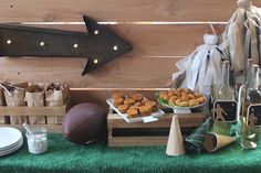 Take your tailgate up a notch with this Vintage-Inspired Football Table!