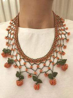 Orange bead choker, valentines day gift, fashion jewelry, unique necklace, handmade choker, bohemian, vintage choker, design choker, SHORT CROCHET NECKLACE Red bead grape shaped necklace thread in green lace. Handcrafted crochet necklace. Made from lace yarn is polyester. Do not bleed