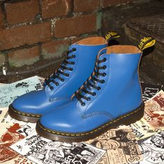 Dr. Martens smooth leather Pascal boot in bold blue.