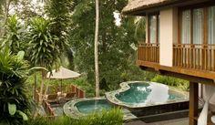 Setiap vila yang tersedia di Kamandalu Resorts and Spa memiliki didesain secara individual dengan sentuhan tradisional Bali. Atap alang-alang dan material batu alam menjadi ciri khas di masing-masing vila. Kolam renang tak beraturan, balkon yang menghadap ke lembah, serta saung-saung tradisional yang dilengkapi dengan matras dan bantal empuk juga tersedia di tiap-tiap vila disini. Untuk pemesanan, Klik http://www.voucherhotel.com/indonesia/ubud/218218-kamandalu-resorts-and-spa/