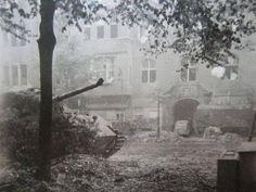 1945 Berlin, Ein Panzerkampfwagen VI Tiger II Ausf.B Königstiger (Sd.Kfz.182) verlassen auf der Pariser Strasse 27 in Berlin-Wilmersdorf  Möglicherweise handelt es sich hier um den Tiger von Untersturmführer Oskar Schäfer von der SS-Panzer-Abteilung 503