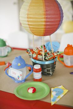 Cute little centerpieces... either for outdoor decorations or on table. Birthday Balloons, First Birthday Parties, First Birthdays, Birthday Ideas, Birthday Activities, Balloon Party, Theme Parties, Diy Birthday, Hot Air Balloon Centerpieces