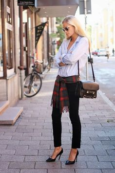 Cute fall outfit #uggboot #ugg #boots #cozy #fashion @Gaby Molina