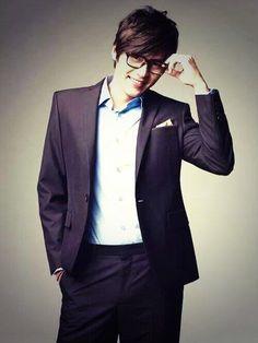 Hyun Bin, looking all nerdy and cute