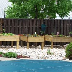 Raised Garden Bed - on legs!