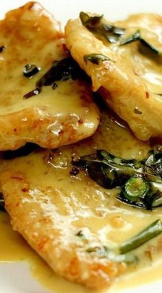 CREAMY BUTTER PORK CHOPS == 50 g butter/marjerine 1 cup evaporated milk 1 cup cooking cream 2 (or less) tbsp sugar tsp salt 4 cloves garlic, chopped 3 stalk curry leaves, washed and plucked 2 bird's eye chilli, sliced finely ============ Pork Chop Recipes, Meat Recipes, Cooking Recipes, Pork Cutlet Recipes, Pork Ham, Pork Ribs, Grilled Pork, Baked Pork Chops, Gourmet