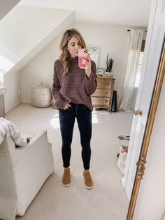 style Inspiration mom - Casual Mom Outfits for Fall - Lauren McBride Comfortable Teacher Outfits, Casual Teacher Outfit, Cute Teacher Outfits, Winter Teacher Outfits, Casual Outfits For Moms, Fall Outfits For Work, Professional Outfits, Casual Fall Outfits, Casual Mom Style