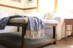 DIY macrame fringe can be added to pillows, throws, blankets, or table runners. Add it anywhere that you would like a little something extra. This really is so simple to make, with a little time, you can make something plain into something special! Are You a Fan of Macrame? Removing Baseboards, Bar Stool Makeover, Diy File Cabinet, Reclaimed Doors, Diy Step By Step, Diy Tv Stand, Outdoor Curtains, Cute Home Decor, Swinging Chair
