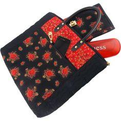 Bolsa de Patchwork Preta com Flores Vermelhas e Alças de Couro
