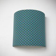 """Applique murale """"Blue scales"""" géométrique bleu : Luminaires par lias-delights"""