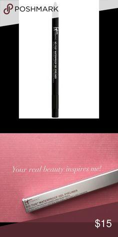 🎀NEW🎀 No Tug gel eyeliner It Cosmetics! Brand new amazing no tug gel eyeliner in black from It Cosmetics! Makeup Eyeliner