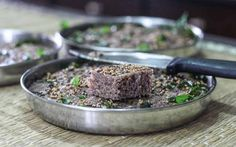 Ragi Rava Dhokla (Steamed Finger Millet Oat Cakes) by Archana's Kitchen - Simple Recipes & Cooking Ideas Ragi Recipes, Cooking Recipes, Cooking Ideas, Vegetarian Recipes, Snack Recipes, Indian Snacks, Indian Food Recipes, Calories In Blueberries, Chana Recipe