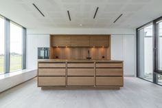 At TRUE Bespoke kitchens we are passionate about creating unique, simple yet beautifully crafted cabinetry made from the finest materials. Modern Kitchen Interiors, Luxury Kitchen Design, Kitchen Room Design, Home Decor Kitchen, Kitchen Ideas, White Oak Kitchen, Handleless Kitchen, Scandinavian Kitchen, Danish Kitchen