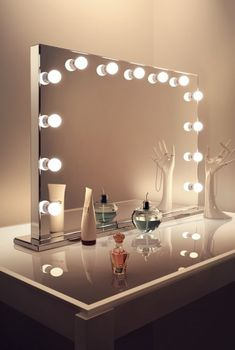 Hollywood Mirrors, Hollywood Mirror with Lights, Makeup Vanity - Illuminated Mirrors UK