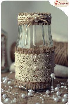 recycled jar with burlap, lace and pearls Diy Bottle, Wine Bottle Crafts, Mason Jar Crafts, Bottle Art, Mason Jars, Glass Bottle, Bottles And Jars, Glass Jars, Garrafa Diy