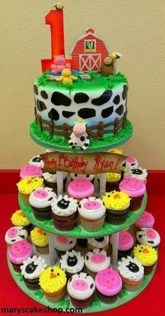 Farm Fresh Living ~ Farm cake with cow print round cake, barn topper and animal cupcakes Farm Animal Cakes, Farm Animal Party, Farm Animal Birthday, Animal Cupcakes, Farm Party, Barnyard Party, Petting Zoo Birthday Party, Cow Cupcakes, Farm Birthday Cakes