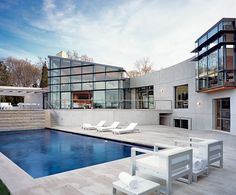 Hamptons waterfront home...pool