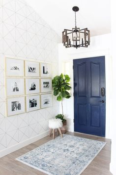 Navy Blue Interior Doors: 27 Inspirational Photos https://www.onechitecture.com/2017/10/17/navy-blue-interior-doors-27-inspirational-photos/