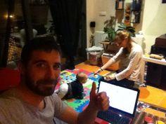 No se le acaban las pilas a la peque!!!  Mientras, haciendo el planning de mañana!  www.estefaniaysergio.com