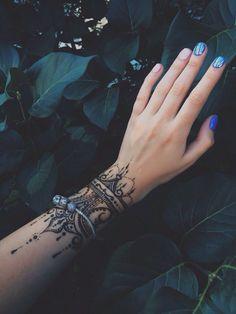 Mehendi , Henna