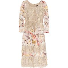 Mulberry Silk-organza lace and printed crepe dress (22.865 ARS) ❤ liked on Polyvore featuring dresses, mulberry, beige, floral dress, star dress, floral print dress, three quarter sleeve lace dress and three quarter sleeve dress