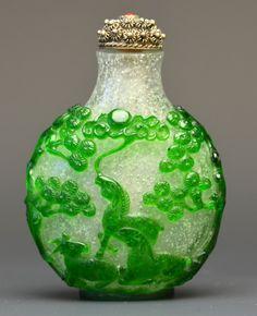 A Chinese Peking Glass Snuff Bottle : Lot 12
