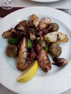 Tintenfisch auf Gemüse im Arcada in Hamburg. Lust Restaurants zu testen und Bewirtungskosten zurück erstatten lassen? https://www.testando.de/so-funktionierts